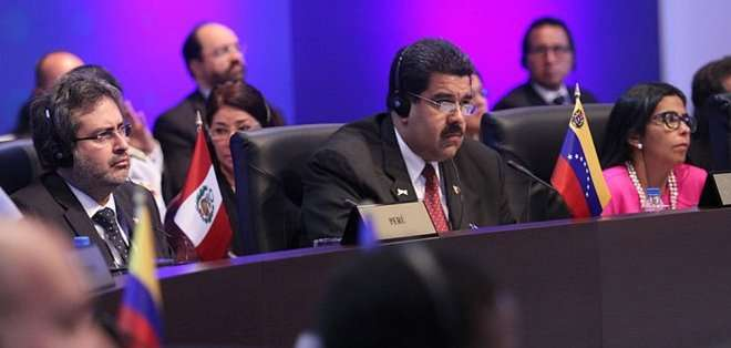 """PANAMÁ. Como segunda condición para establecer el diálogo, Maduro instó a Obama a """"derrocar"""" el decreto con el que EE.UU. considera a Venezuela una """"amenaza""""."""