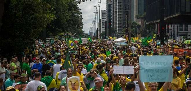 BRASIL. Los organizadores esperan que las cifras crezcan a lo largo del día al irse sumando miles de manifestantes en más de 400 ciudades del país.
