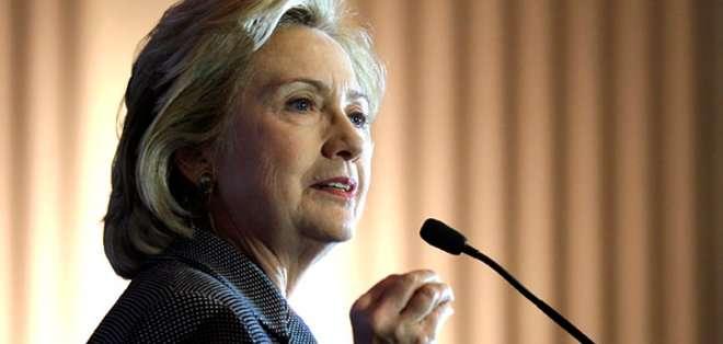 """ESTADOS UNIDOS. """"Ya es oficial: Hillary es candidata a la Presidencia"""", dice la nota, que agrega que habrá un gran evento de lanzamiento """"formal"""" de la campaña el mes próximo."""