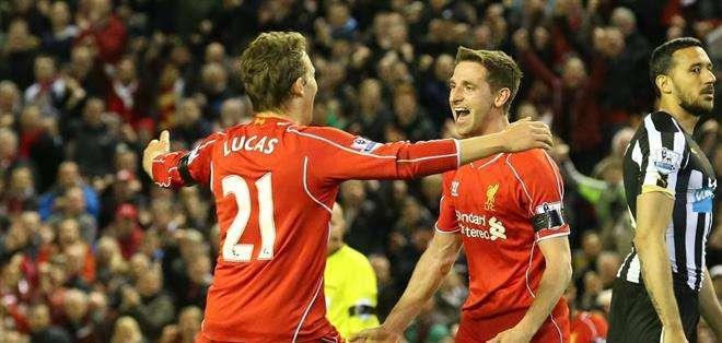 INGLATERRA.- Con esta victoria, el Liverpool suma 57 puntos y se coloca a cuatro del Manchester City. Fotos: EFE