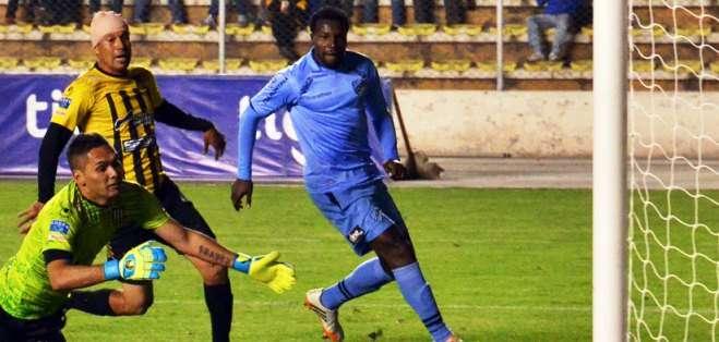 Carlos Tenorio y un nuevo gol en el fútbol boliviano (Foto: Internet)