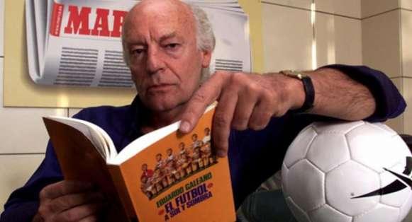 El escritor decía que como todo niño uruguayo, deseaba ser futbolista. Foto: Diario Marca.