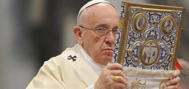 """El pontífice dijo que los cristianos deben pedir """"la gracia de la pobreza"""", y que esta significa lo siguiente: """"si yo tengo lo que tengo, debo administrarlo bien por el bien común y con generosidad""""."""
