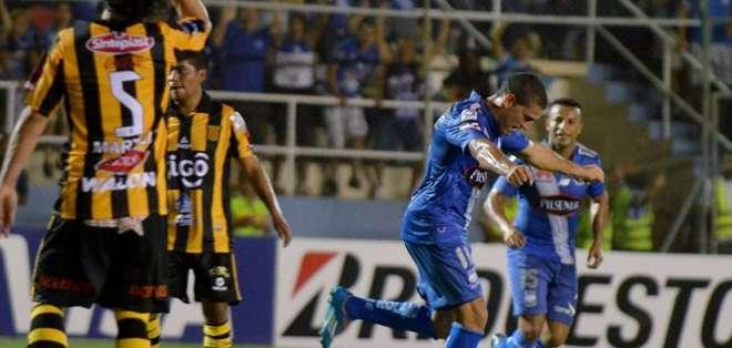 En Manta el triunfo fue para Emelec. Foto: AFP.