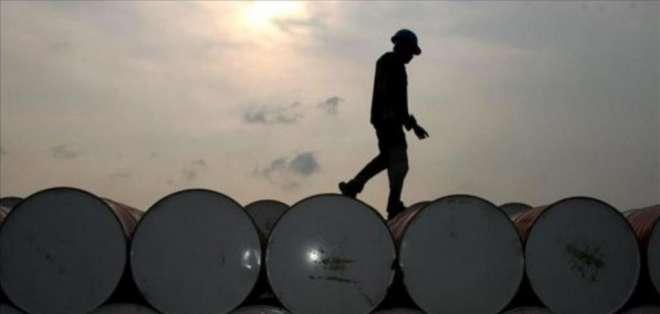 """El precio del barril de """"light sweet crude"""" (WTI) ganó 1,38 dólares, a 53,29 dólares."""