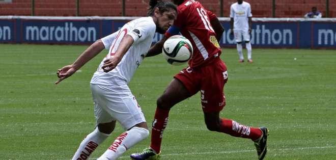 Vera salió lesionado en el partido entre Liga e Independiente jugado el pasado domingo.