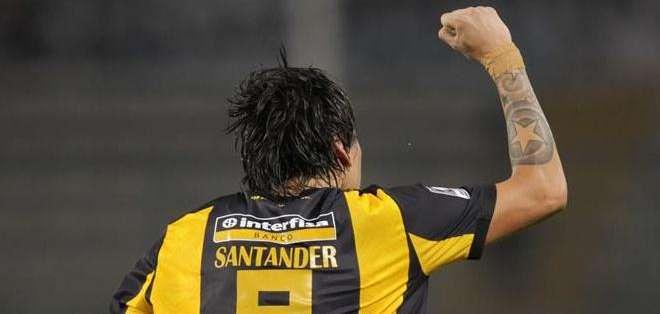 Federico Santander, celebra su gol (Foto: EFE)