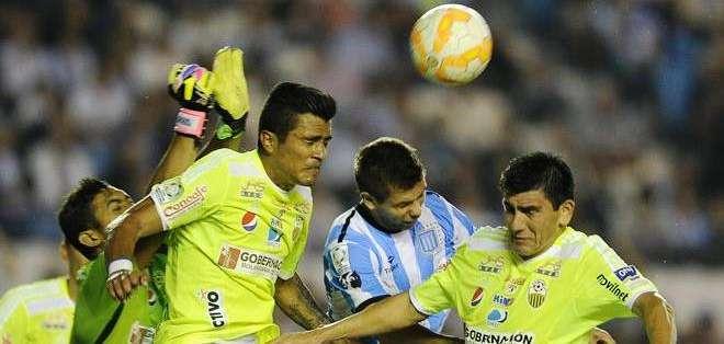 Un duro partido para los argentinos que remontaron un 0-2 (Foto: EFE)