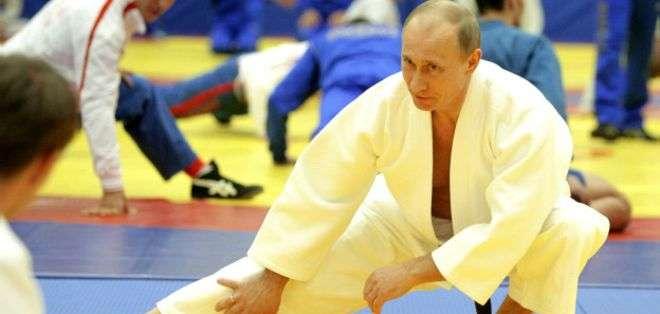 """Vladimir Putin es considerado un """"súper atleta"""" por su afición a diferentes deportes, entre los que destaca el judo."""