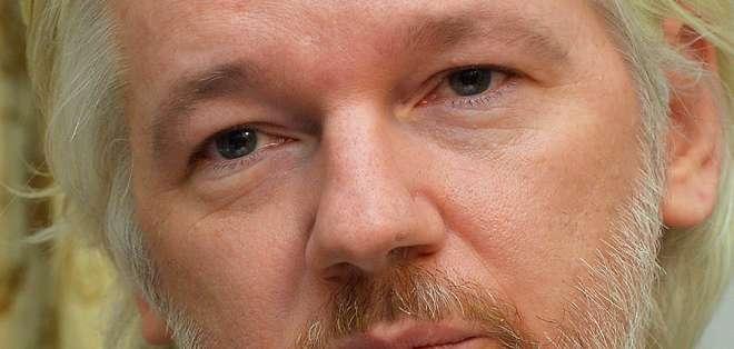 INGLATERRA.- Fiscales suecos ofrecieron en marzo a Assange la posibilidad de declarar en la embajada de Ecuador. Foto: Internet