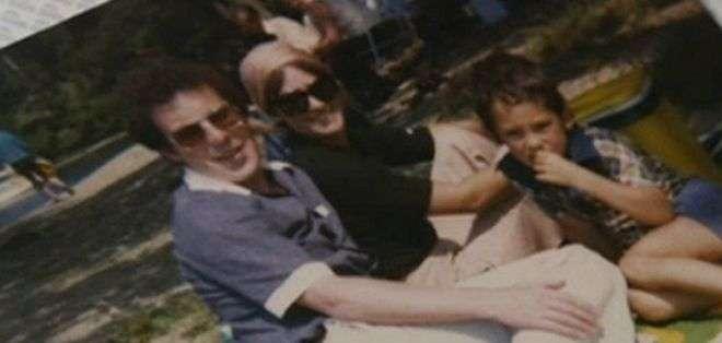 El padre de Simon Jack se suicidó cuando tenía 44 años.