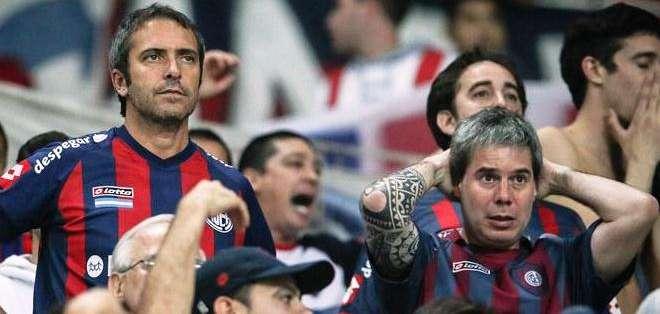 Los hichas de San Lorenzo sufren por el resultado (Foto: EFE)