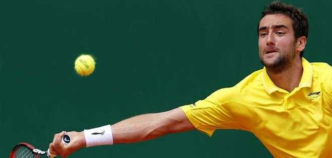 Cilic le regresa una pelota a serbio (Foto: EFE)