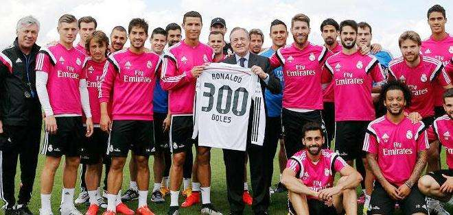 La camiseta con el número 300 de los goles de Cristiano Ronaldo (Foto: EFE)