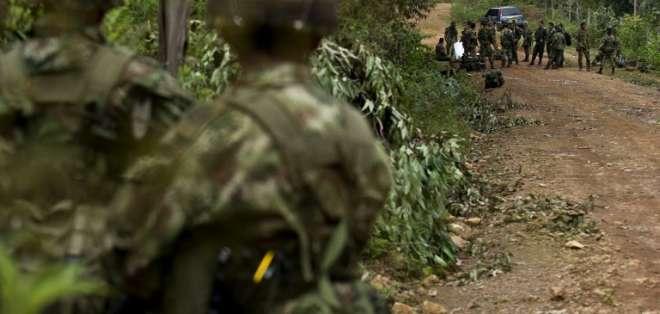 Un ataque atribuido a las FARC dejó un saldo de 10 soldados muertos y otros 20 heridos en el Cauca. Foto: AFP