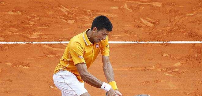 El serbio Novak Djokovic impuso su fortaleza para alcanzar la final del Masters 1000 de Montecarlo. Foto: EFE