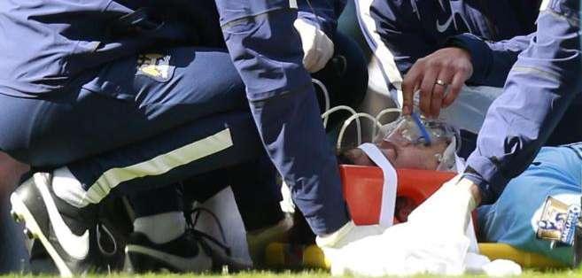 ESPAÑA.- El futbolista español dejó el césped del Etihad Stadium en el minuto 68, tras sufrir el incidente. Foto: Internet