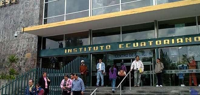ECUADOR. En el Registro Oficial se indicó que al mediodía estará ya a la venta la versión impresa del suplemento donde consta esta Ley. Foto: elciudadano.gob.ec