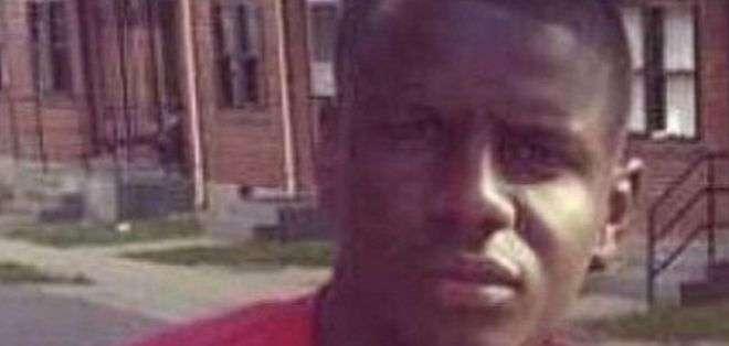 Gray, de 25 años, murió en el hospital el domingo, una semana después de ser arrestado en la ciudad de Baltimore, noreste de EE.UU.