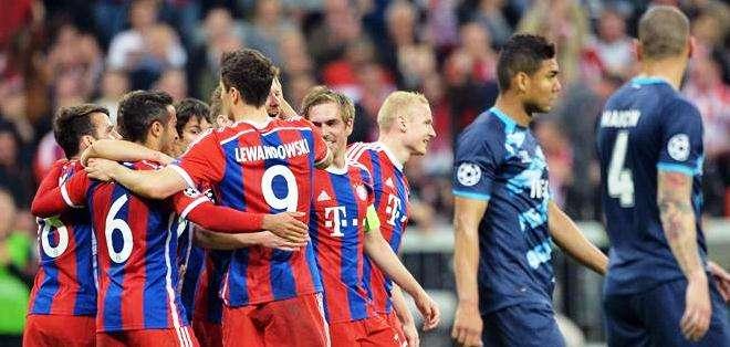 Los jugadores alemanes al final del encuentro (Foto: EFE)