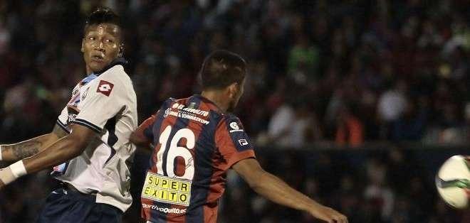 QUITO.- El Nacional ganó 1-0 a Deportivo Quito en un deslucido encuentro. Fotos: API