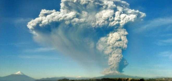 El volcán Calbuco hizo erupción sorpresivamente este miércoles.