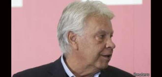 González anunció en marzo que ayudaría al equipo que defiende a dos líderes opositores venezolanos presos desde hace meses.