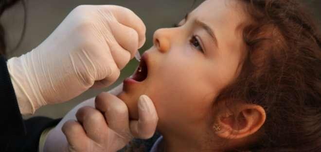 ECUADOR. Más de dos millones de niños, menores de 6 años en Ecuador, recibirán la vacuna vía oral contra la poliomielitis por parte del Ministerio de Salud.