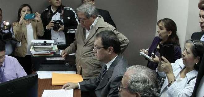 QUITO, Ecuador.- Los jubilados buscan que se mantenga el aporte del Estado del 40 por ciento. Fotos: API