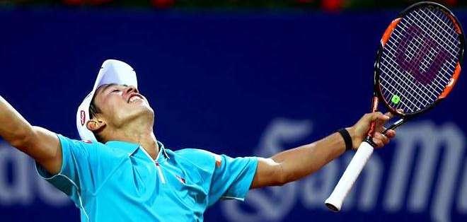 Nishikori, al momento de ganar la final de Barcelona por segunda ocasión (Foto: EFE)