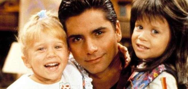 Las gemelas aseguraron que nadie les había dicho sobre el regreso de la serie, algo que según Stamos es mentira.