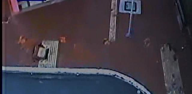 Esta imagen pertenece a un video del ECU 911 captado en el Malecón de Durán durante el sismo de 5.8 grados que sacudió Guayaquil esta mañana.