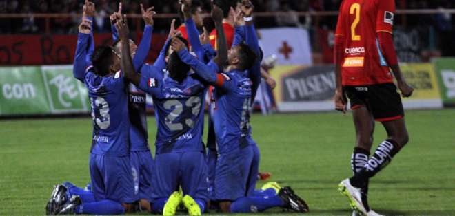 Emelec alcanzó 26 puntos con esta victoria.Deportivo Cuenca termina en el último lugar con 11 puntos Foto: API