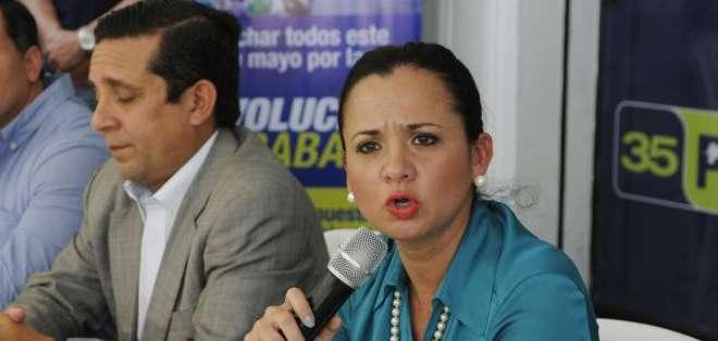 GUAYAQUIL, Ecuador.- Marcela Aguiñaga explicó los motivos de la marcha de apoyo de este 1 de Mayo. Fotos: API y Ecuavisa