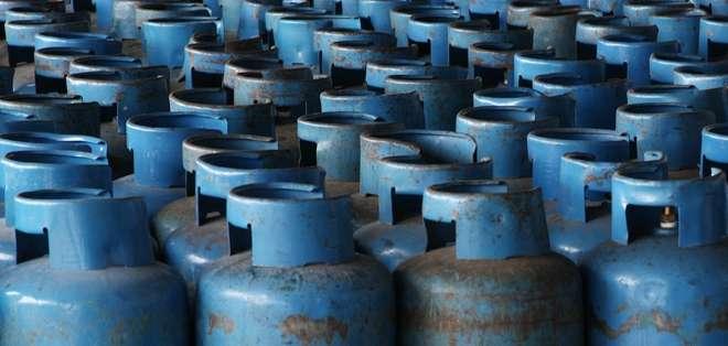 El Ministerio de Hidrocarburos señaló que 20 centros de distribución en Quito ya fueron sancionados por especular con los precios del gas doméstico y por acaparar el producto.
