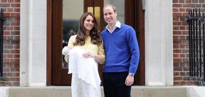 La hija menor de los duques de Cambridge, Guillermo y Catalina nació el sábado 2 de mayo. Fotos: EFE