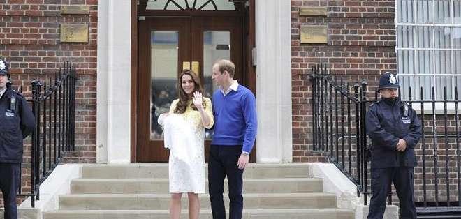 El príncipe Guillermo de Inglaterra y su esposa, Catalina, llamaron a su hija Charlotte Elizabeth Diana. Foto: EFE