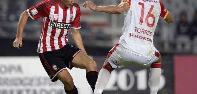 El partido entre el Pincharrata y el equipo Cardenal se jugó en La Plata, Argentina. Foto: AFP