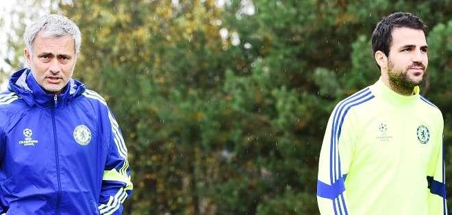 Mourinho y Cesc Fàbregas, dos pilares del título del Chelsea (Foto: Internet)