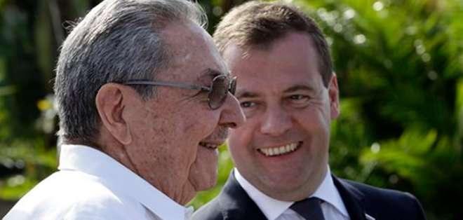 """La entrevista de Castro con Medvedev tiene como objetivo conversar sobre las """"perspectivas de acercamiento ruso-cubano""""."""