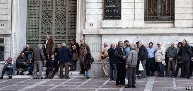 La semana pasada, los jubilados estuvieron varias horas sin poder acceder a su dinero.