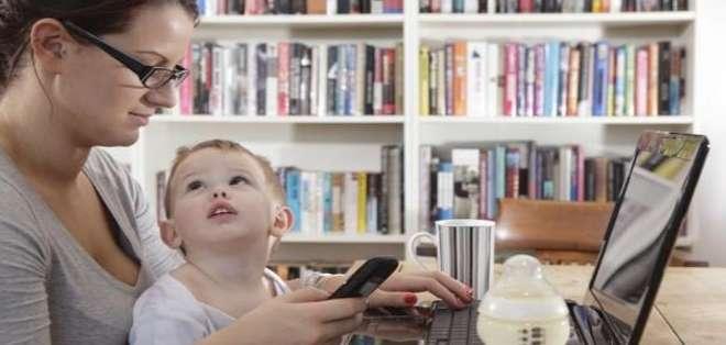 EE.UU.- Los padres que participaron en este estudio estuvieron distraídos el 74% dle tiempo. Foto: Web