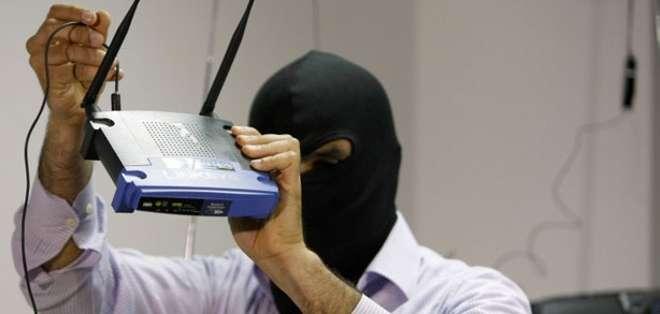 EE.UU.- En la actualidad hay aplicaciones que ayudan a detectar a los intrusos del servicio de internet. Foto: Web.