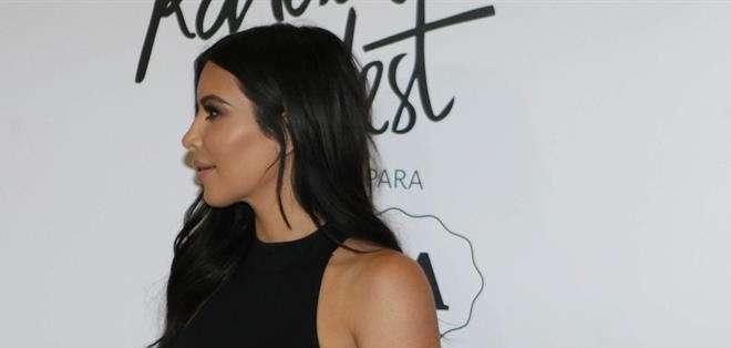 Kim Kardashian lanzó el lunes en Sao Paulo una colección de ropa para el mercado brasileño. Foto: EFE