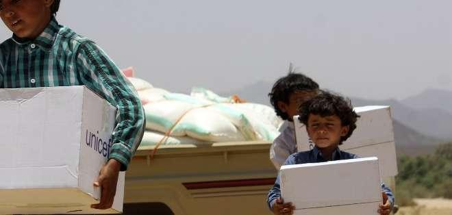 """YEMEN. La coalición árabe avisó a los rebeldes de que retomará sus bombardeos si violan el alto el fuego y anunció que seguirá con sus operaciones de """"inteligencia, reconocimiento y vigilancia"""" en Yemen. Fotos: AFP"""