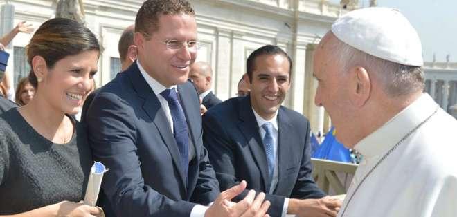 Mauricio Rodas durante su visita al Papa Francisco en Roma. Foto: Municipio de Quito.