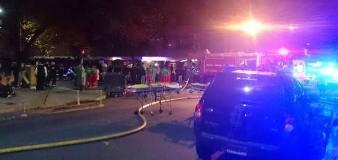 """""""Pudo haber sido peor, la carga de fuego fue muy dramática, hay una persona en grave estado"""", dijo el titular del SAME."""