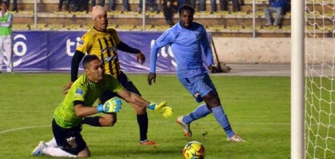Tenorio lleva 16 goles en el Bolívar.