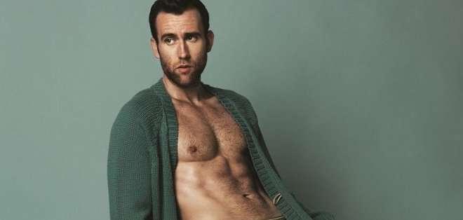 Lewis se quitó la ropa en una audaz producción para la revista británica Attitude.