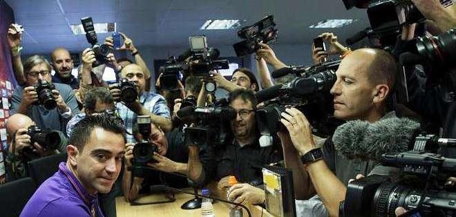 La cantidad de medios de comunicación que llegaron para el anuncio de Xavi Hernández (Foto: EFE)